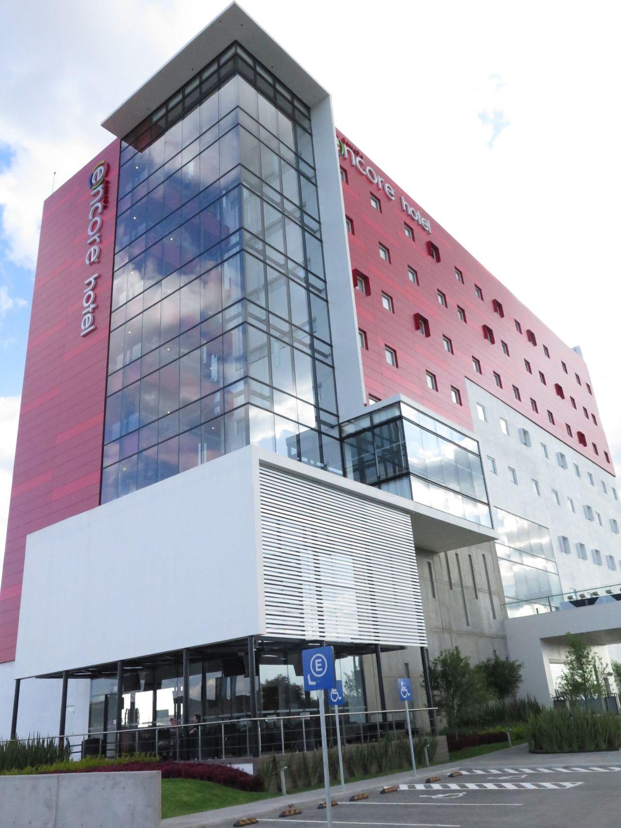 Hotel Encore Querétaro.  Diseño Arq. Miguel Echauri y Arq. Álvaro Morales.  www.echaurimorales.com