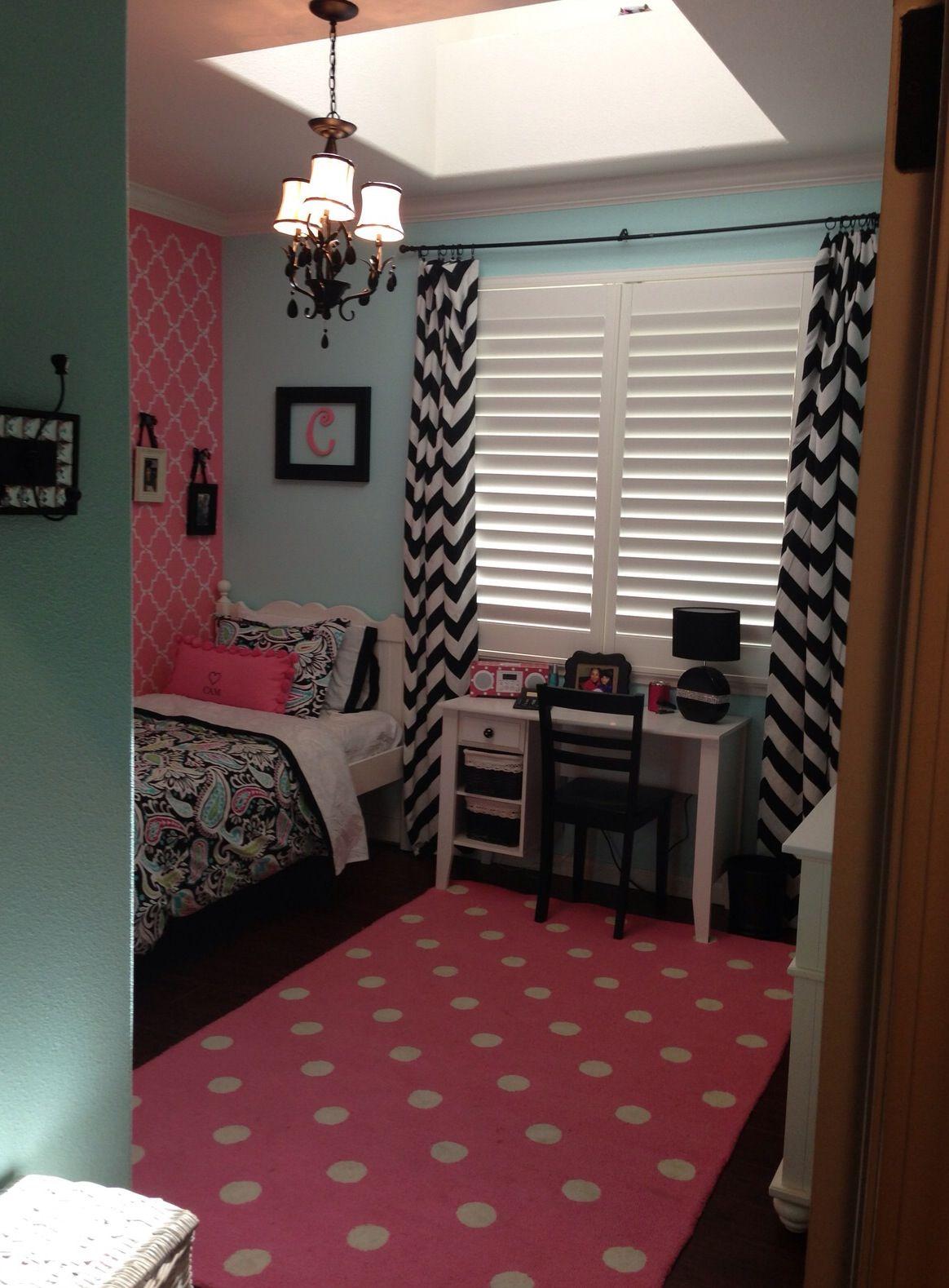 Bed beside window ideas  pretty girl room chevron and polka dots  big girlz room