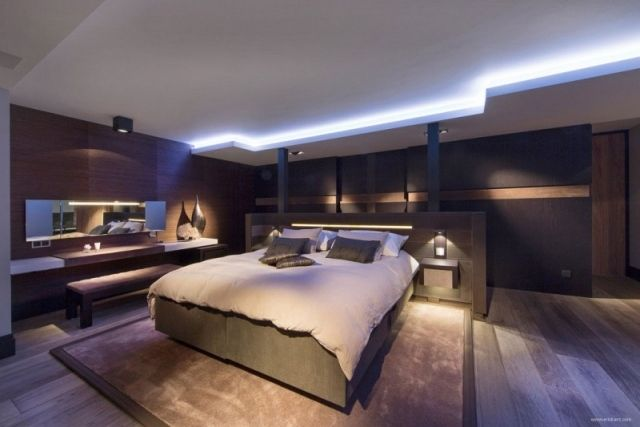 Dunkles schlafzimmer ~ Modernes schlafzimmer blaue led leuchten dunkles holz gamer
