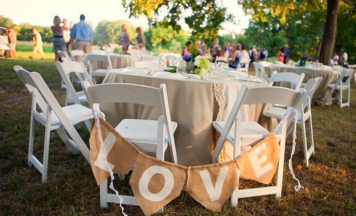 Vintage Weddings - Peacock River Ranch