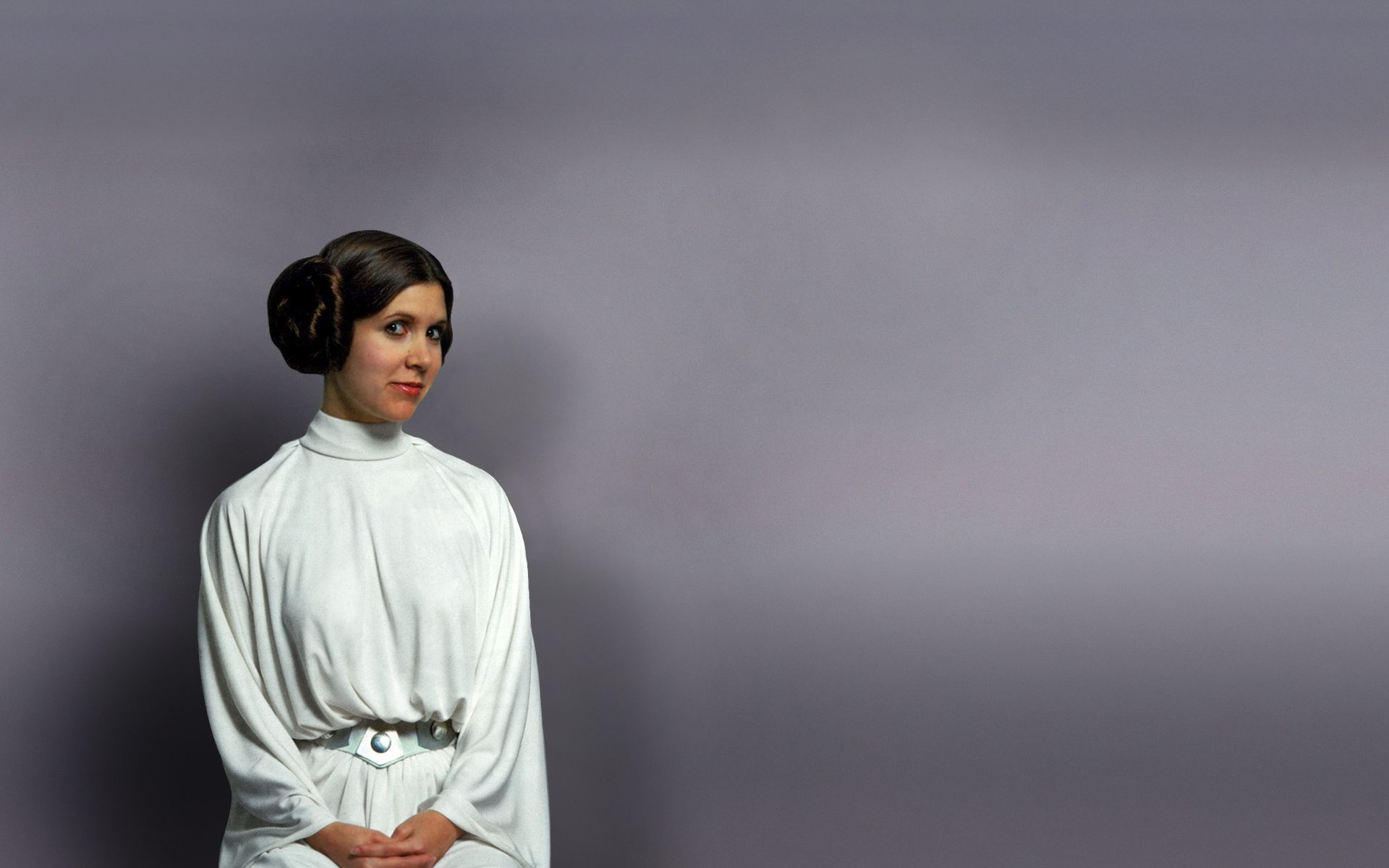 Princess Leia Promo Shot For Episode Iv A New Hope 1977 Star Wars Wallpaper Carrie Fisher Princess Leia Star Wars
