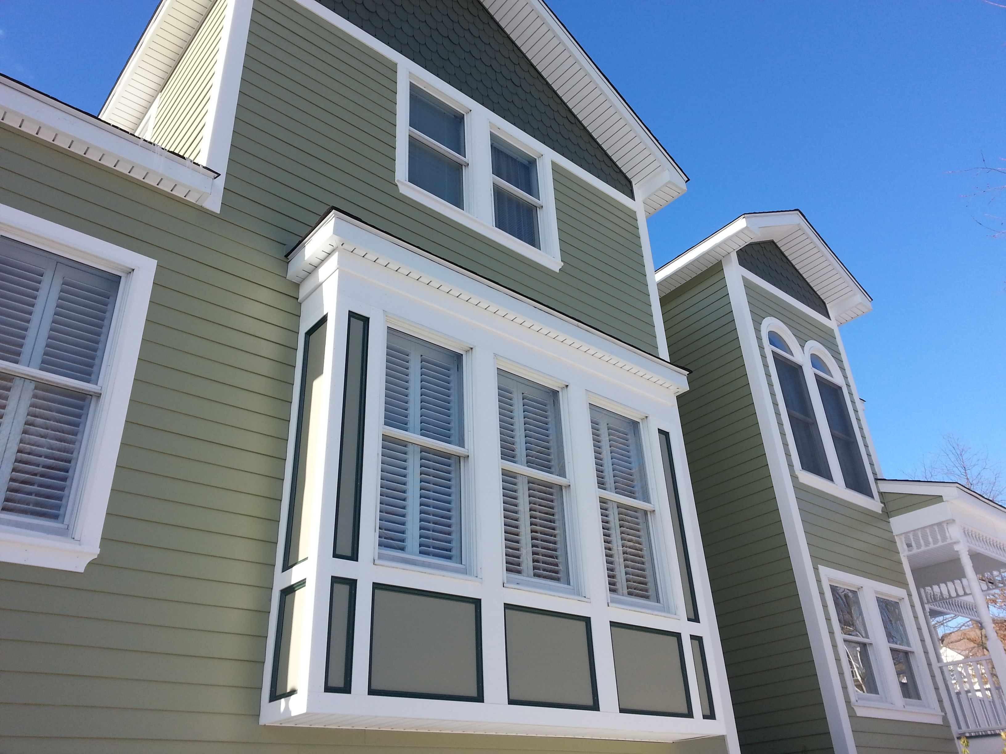 James Hardie Fiber Cement Siding Is Designed To Last A Lifetime Resisting Cracking Rotting Hail Damage Term Hardie Siding James Hardie Siding Cement Siding