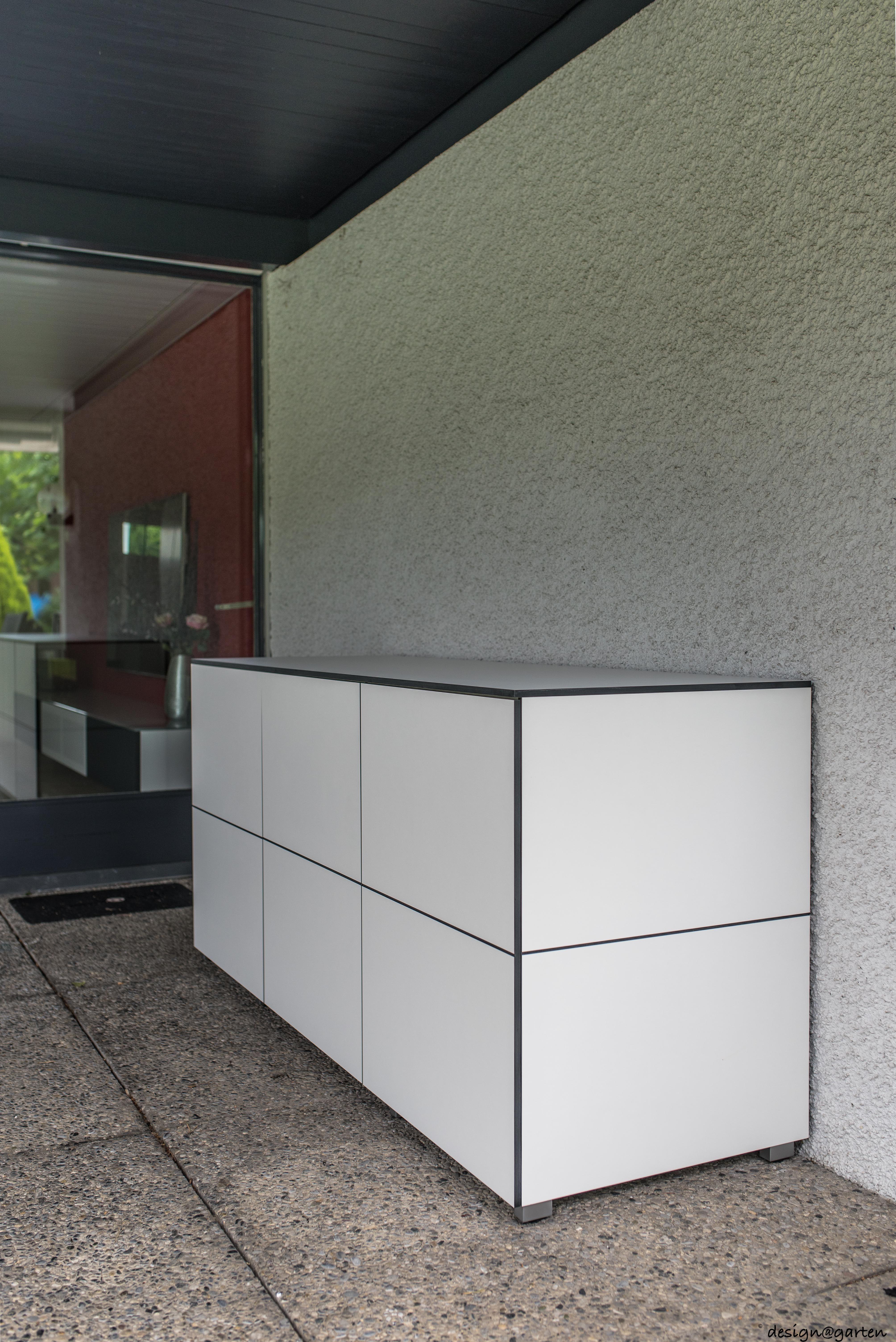 Terrassenschrank Win Nach Mass By Design Garten In Arbon Schweiz Von Design C Garten In Augsburg Germany Grifflos Uv Bestandig Farbe Gartenschrank Schrank Und Balkonschrank