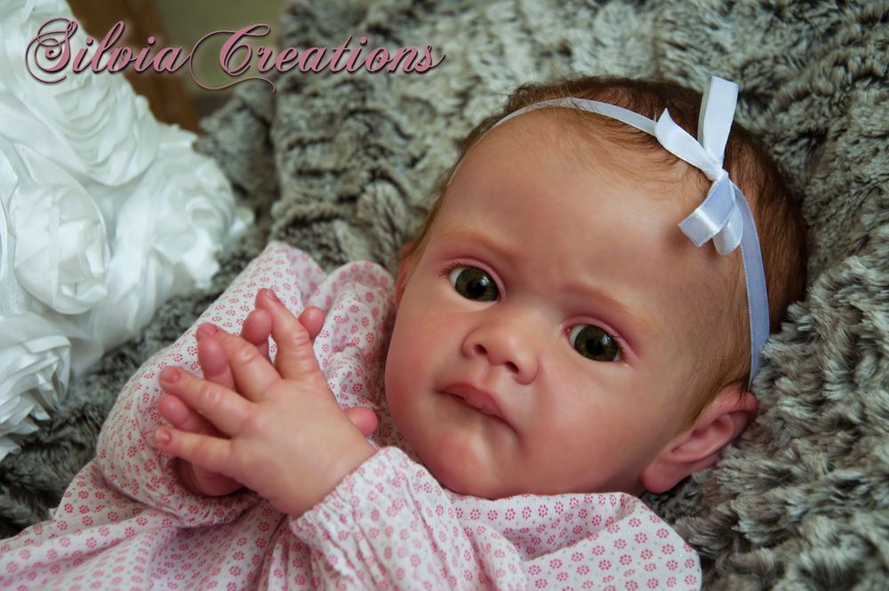 **SILVIACREATIONS**  FRIDA  Prototype by  KAROLA WEGERICH  *cute girl!*