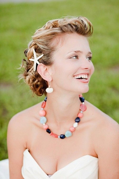 Stunning beach wedding hairstyles       wedding hairstyles    wedding     hair style   #weddinghairstyles #wedding  https://www.starlettadesigns.com/