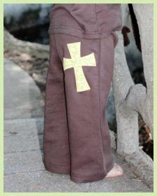 Per trasformare il tuo bambino in un piccolo monachello...  Camo Cross Crawlers by Faith Baby  Available at FaithBaby.com