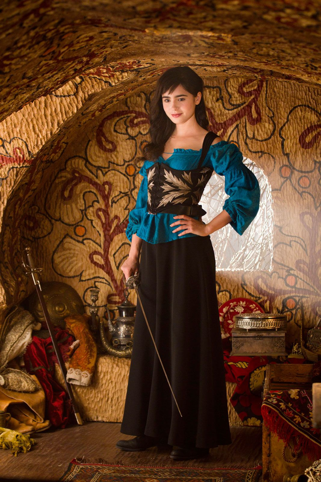 Lily Collins lands Snow White lead Lily Collins lands Snow White lead new images