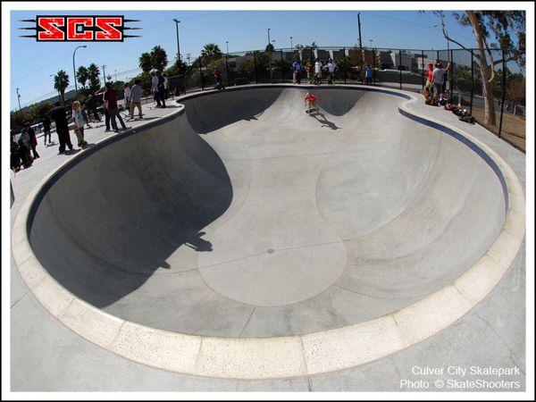 Culver City Skateboard Park Clover Pool One Of The Best Pools In Socal Skateboard Park Skate Park Cool Pools