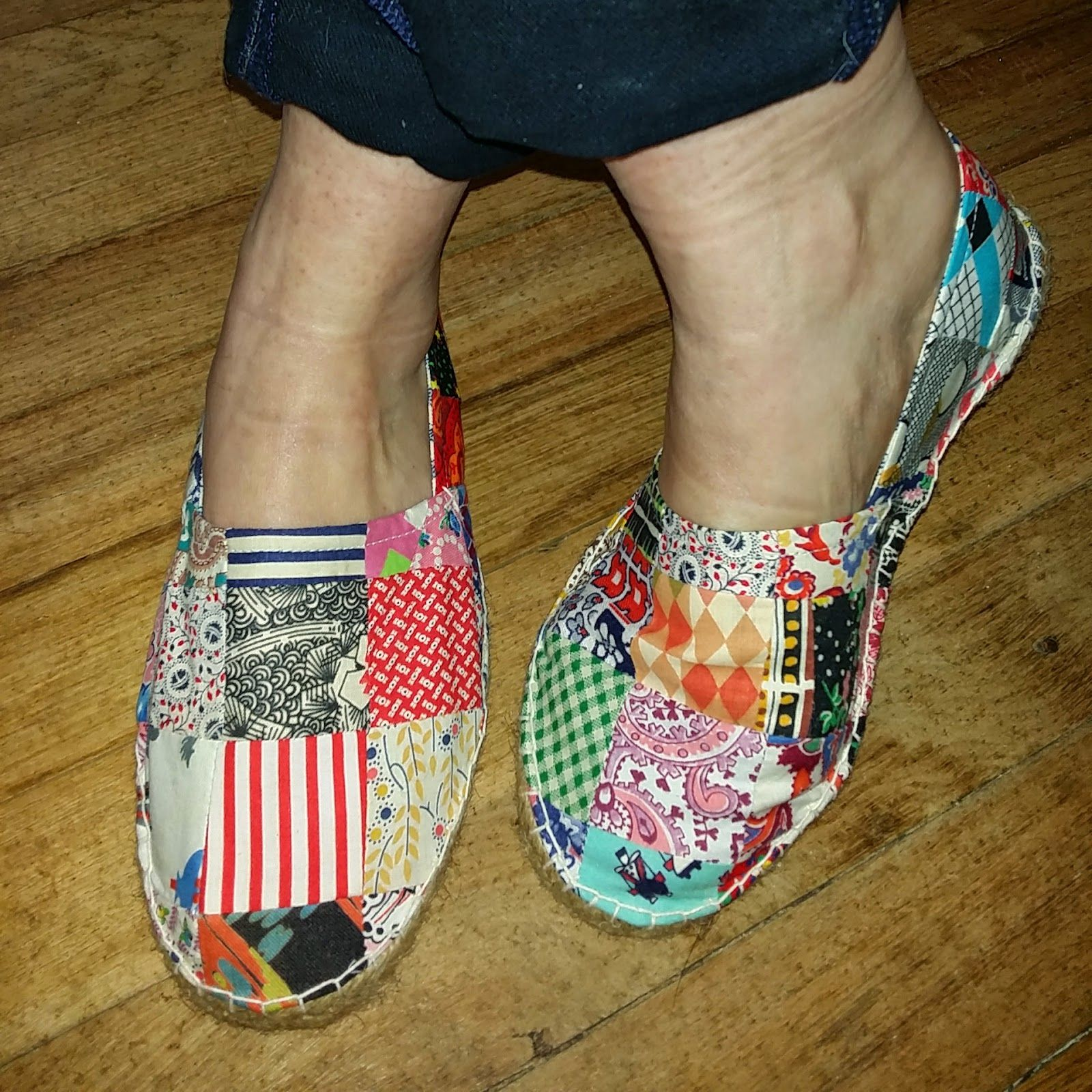 if the shoe fits make your own patchwork shoes alpargatas zapatillas y zapatos. Black Bedroom Furniture Sets. Home Design Ideas