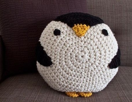 Amigurumi Penguin Tutorial : How to crochet a penguin pillow google search crafts: crochet