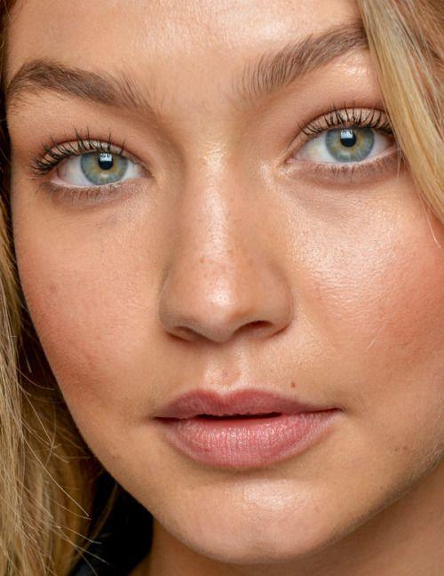 Gigi Hadid Has Cool Eyes Gigi Hadid Fashion Model Makeup