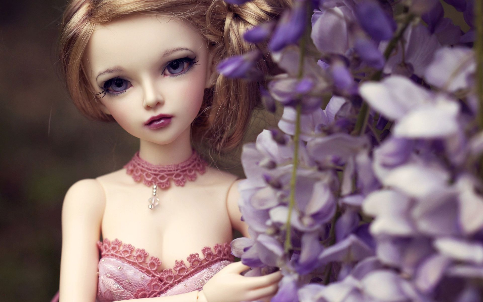 Blonde Doll Wallpaper 48641