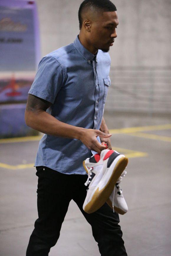 new product b01d2 4d59d Damian Lillard Debuts the adidas D Lillard 2