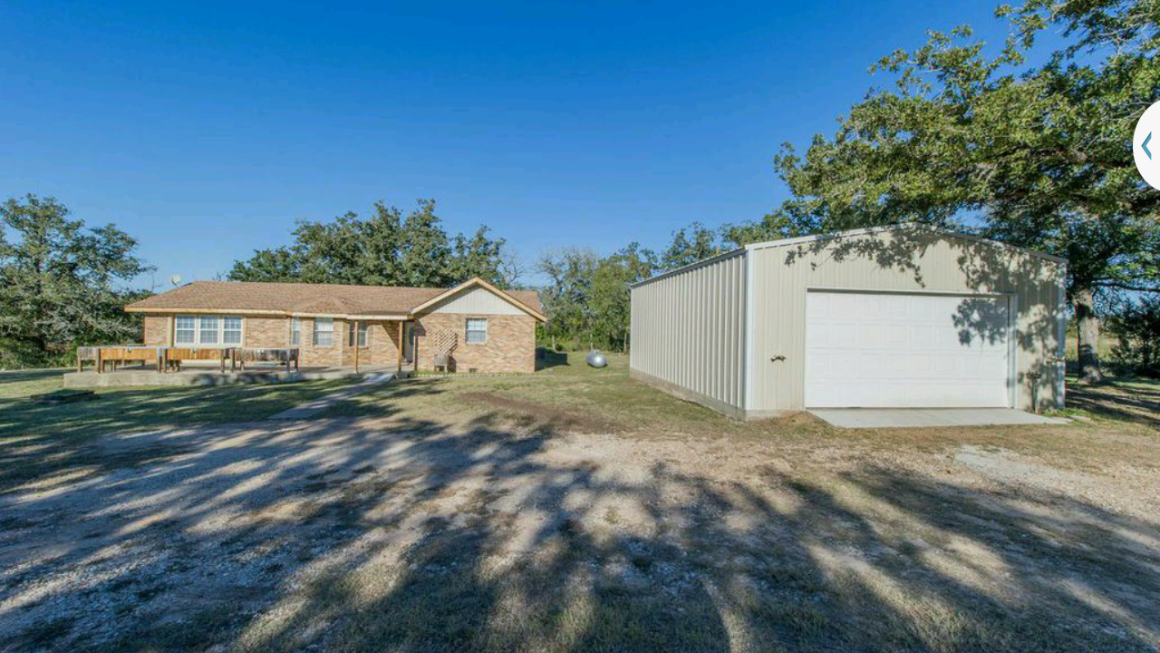 249 000 In Cedar Creek Tx Http Austin Craigslist Org Reb 4990286578 Html Real Estate Listings Outdoor Decor Real Estate
