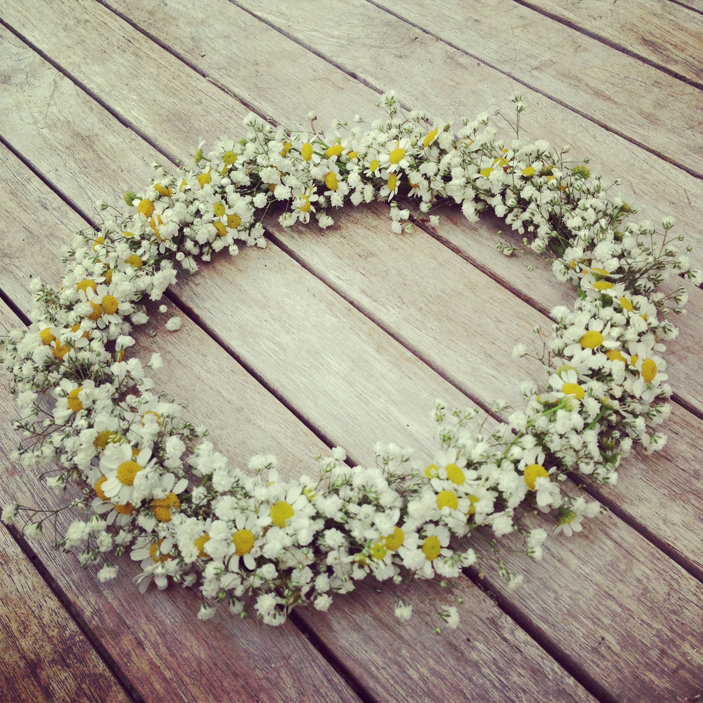 Gypsophila and feverfew flower crown florally inspiring gypsophila and feverfew flower crown izmirmasajfo