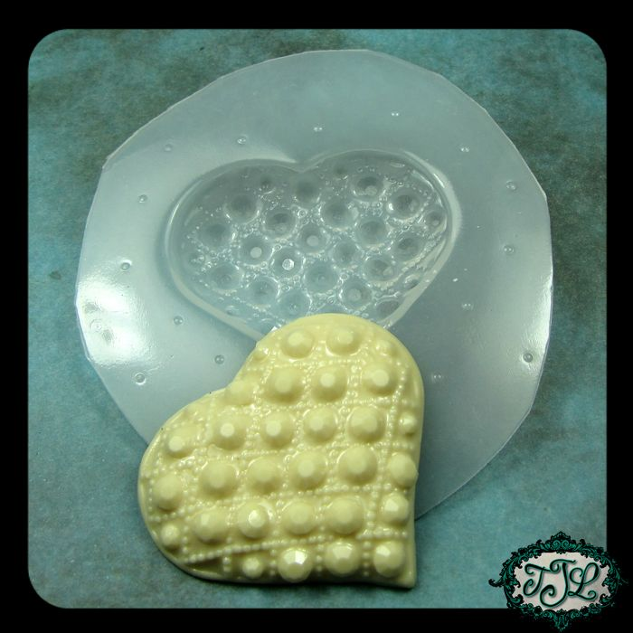 faceted gem quilted heart mold