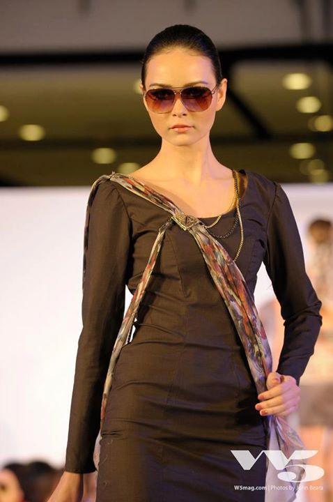 Accademia Italiana Fashion show 2012 Collection: Winter scarfs Designer: Ekaterina Bushueva Model: Jessica Amornkuldilok