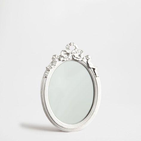 espejo ovalado blanco envejecido espejos decoracin zara home espaa