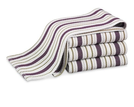 Love The Wine Colored Towels With Thin