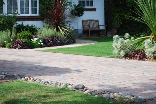 Garden By Driveway Using Garden Design For Driveways Front Gardens Garden Garden Design