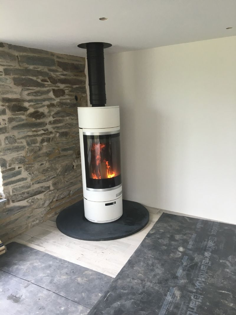 Kernow Fires Scan 85 In St Merryn Wood Burning Stove Installation In Cornwall Wood Burning Stove Stove Installation Wood Burner Fireplace