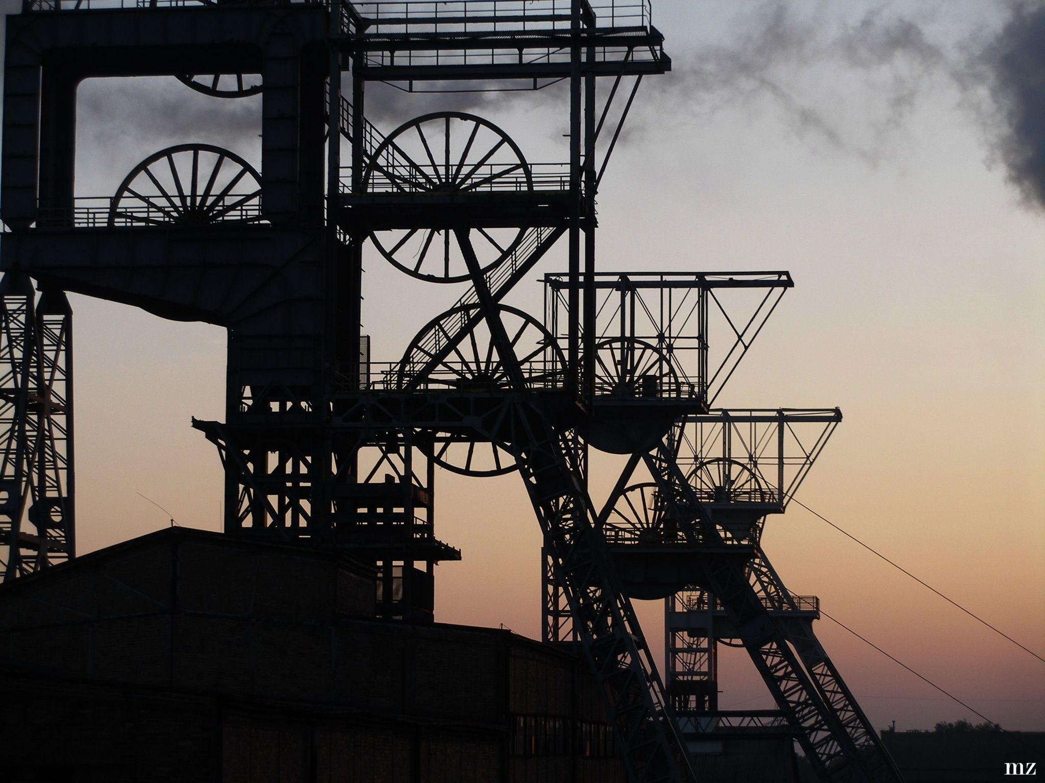 Górny Sląsk: Firma wiewiorka.pl realizuje rozbiórki dużych obiektów przemysłowych z intencją odzyskania jak największej ilości surowców, przede wszystkim metali