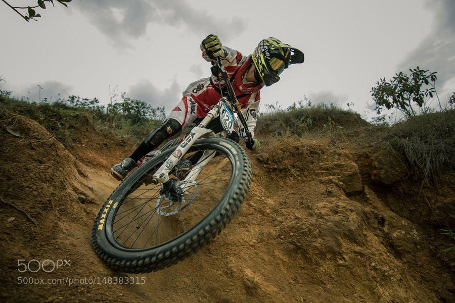 Downhill Colombia by santiagojeimagen