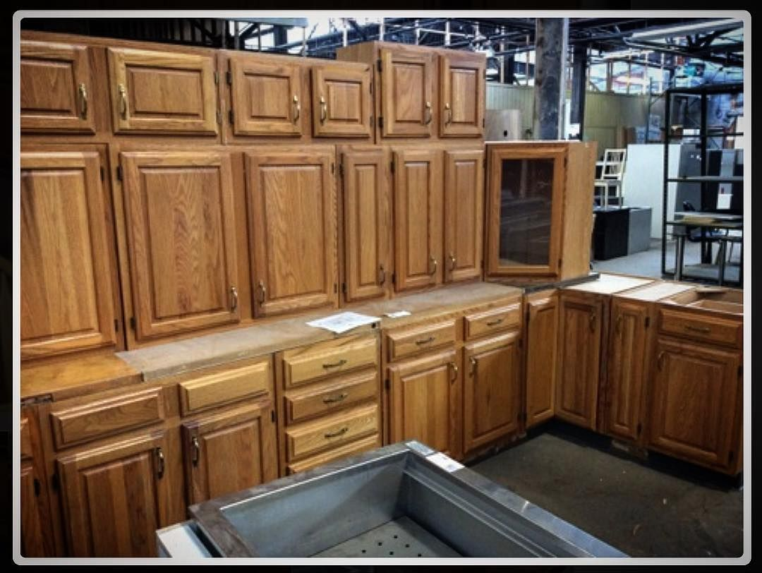 We Re Packed Full Of Kitchens Right Now Including This Stunner Of A 22 Piece Set It S Too Big For One Pic Check It Ou In 2020 Complete Kitchens Kitchen Sets Kitchen