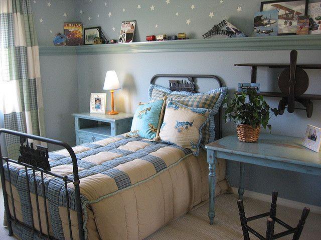 die besten 25 hellblaues zimmer ideen auf pinterest hellblaue w nde k chentisch mit bank und. Black Bedroom Furniture Sets. Home Design Ideas