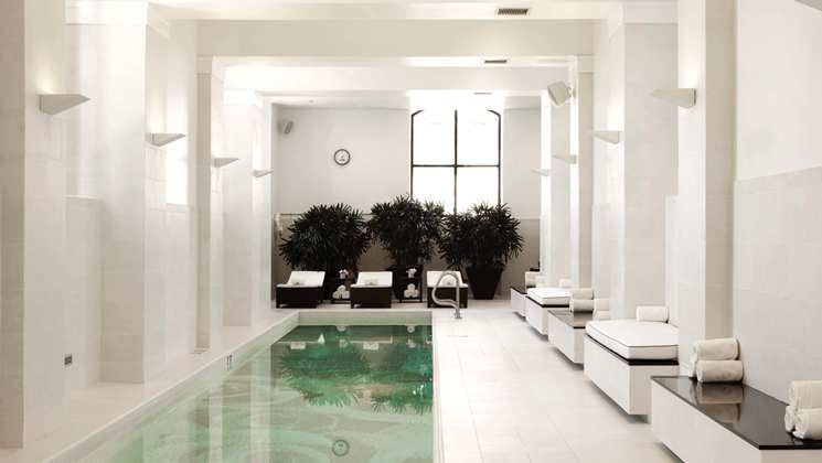 Waldorf Astoria Chicago Hotel - Indoor Pool | The United States of ...