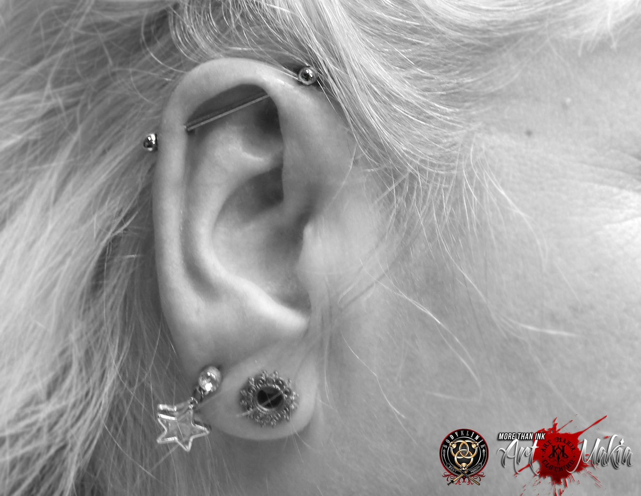 Double nose piercing plus septum  Industrial Piercing von Pascal at Art Makia Kleve Das Industrial