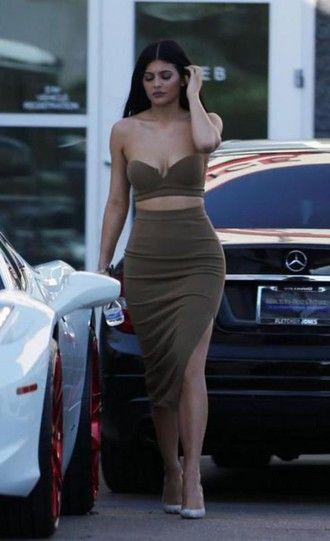 top bustier skirt pencil skirt slit skirt midi skirt kylie jenner pumps crop tops two-piece shoes