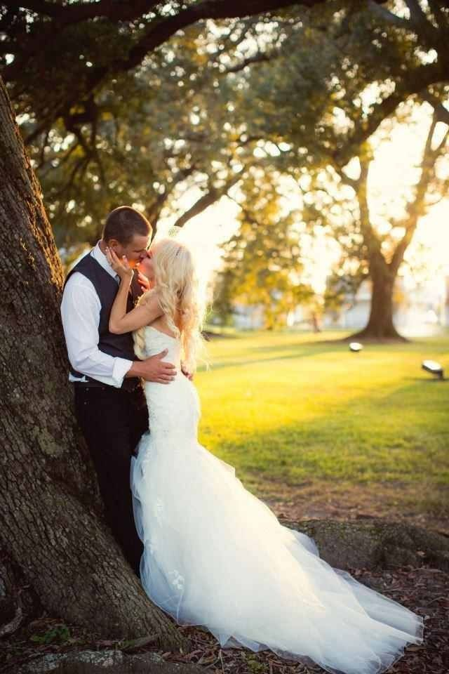 Love wedding photography bride groom wedding dress for Southern country wedding dresses