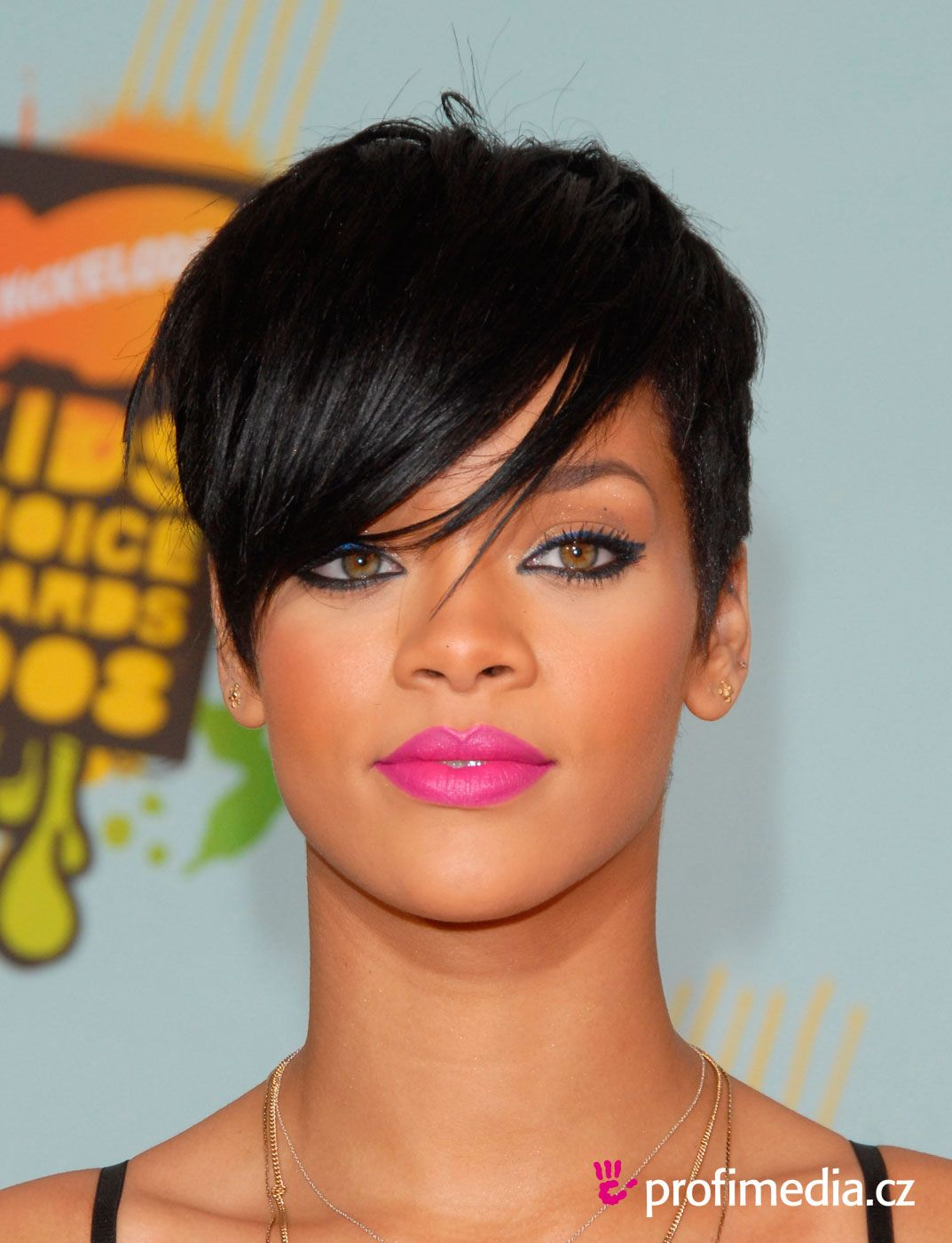 pixie cut round face - google search | hairstyles | rihanna
