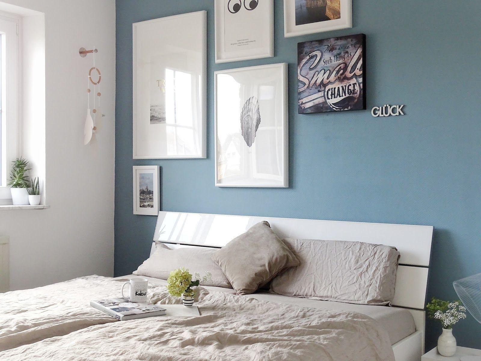 Schlafzimmer Makeover Mit Neuer Wandfarbe Warum Dunkle Wandfarben Auch In Kleineren In 2020 Blaue Schlafzimmerideen Schlafzimmer Farbschemata Wandfarbe Schlafzimmer