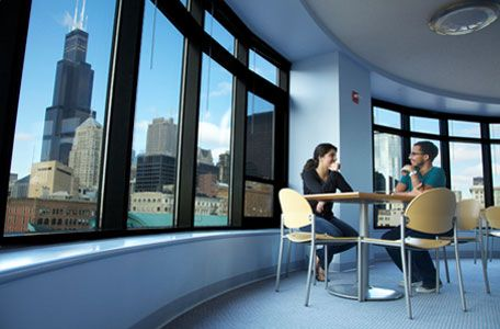 Chicago Illinois Chicago Summer Housing University Center Boasts A Prime South Loop Location That Provid Summer House Apartments For Rent University Center