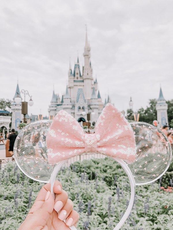 Photo of Kundenspezifische Minnie Ohren mit rosa Paillettenschleife bei Magic Kingdom | Dis …