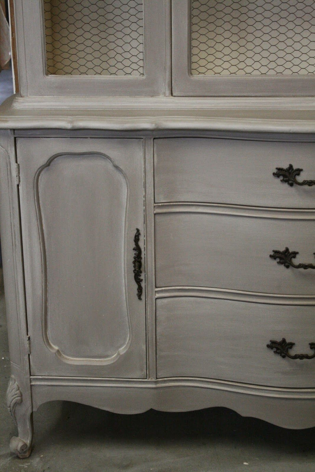 I recently came across this french provincial hutch at a yard sale. I can never pass on a frenchy piece, so this one came back to ...