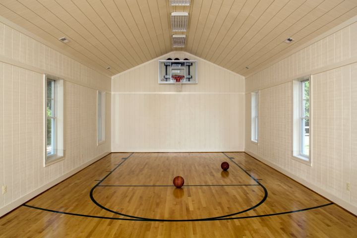19 Modern Indoor Home Basketball Courts Plans And Designs Home Basketball Court Basketball Room Indoor Basketball Court