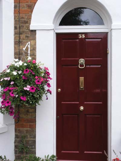 A Deep Red Door Lends Itself To A Traditional Look Try Ralph