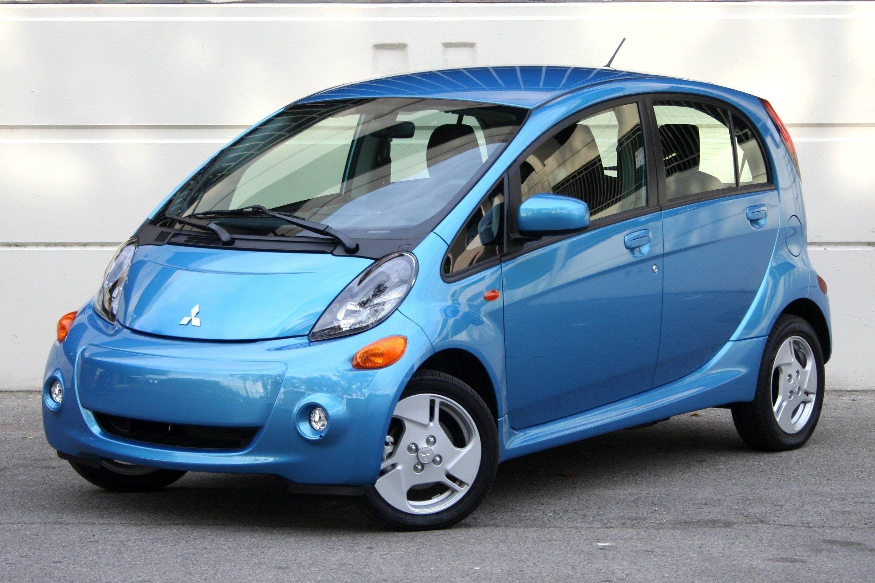 Best 2019 Mitsubishi I Miev Es First Drive Electric Cars Small Electric Cars Mitsubishi I