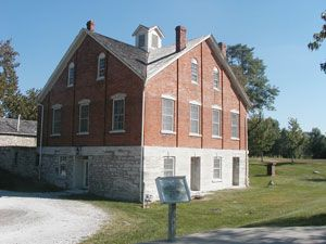 Nauvoo House With Images Church History Sites Lds Church History Nauvoo