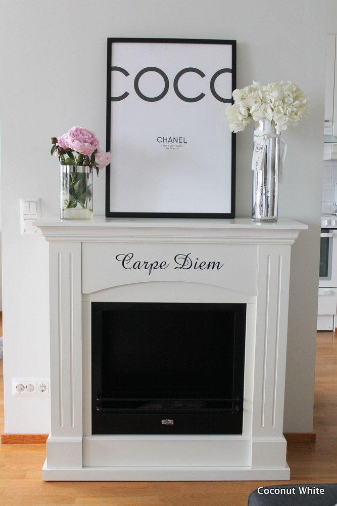 Coconut White: Sisustustakka paikallaan olohuoneessa