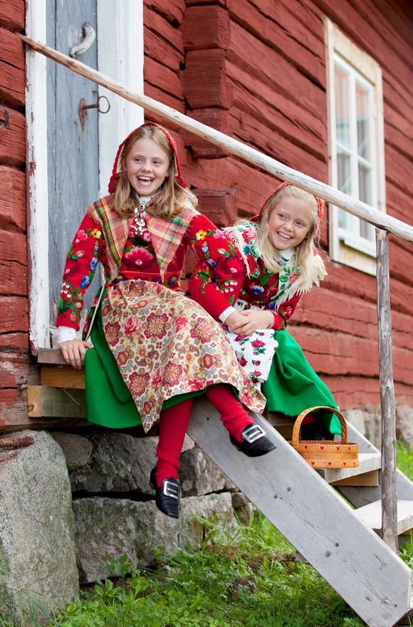 Folklore Fashion Blogg Folk Clothing Scandinavian Costume Traditional Outfits