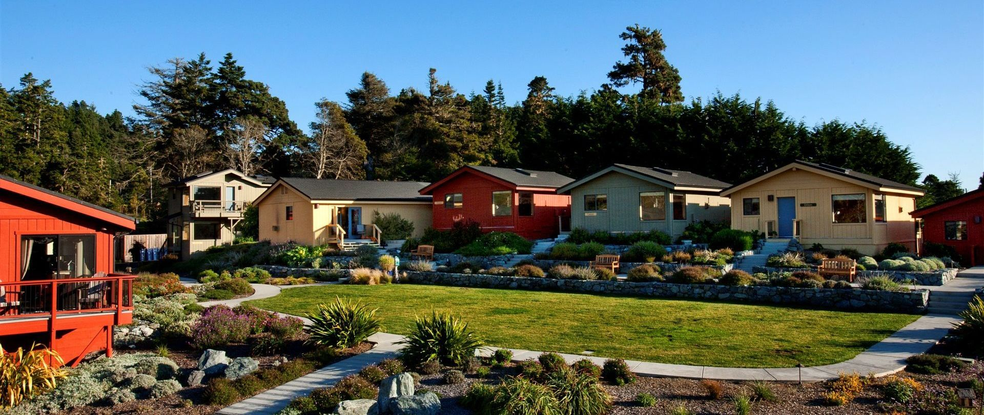 The Sea Rock Inn a Mendocino Bed and Breakfast offers romantic