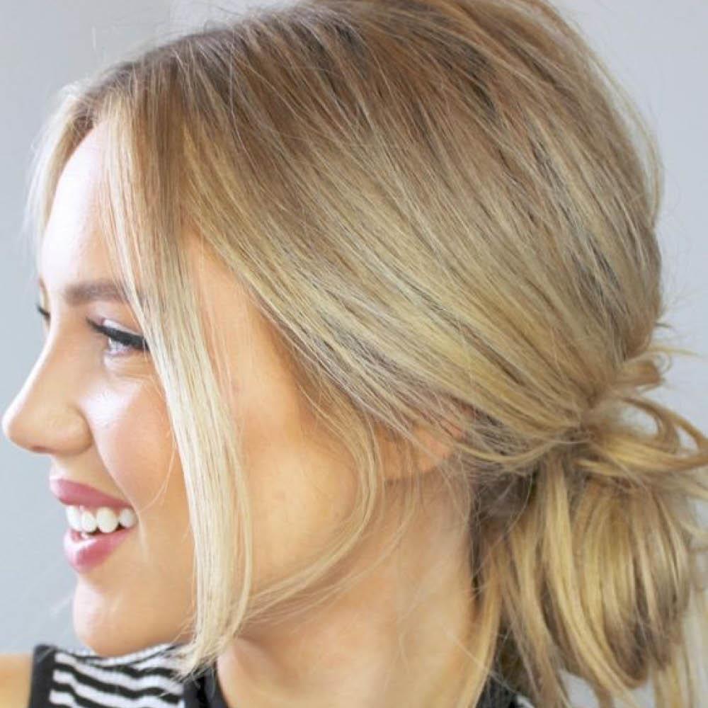 Bonito y cómodo peinados moños bajos Imagen De Consejos De Color De Pelo - Pin en Peinados