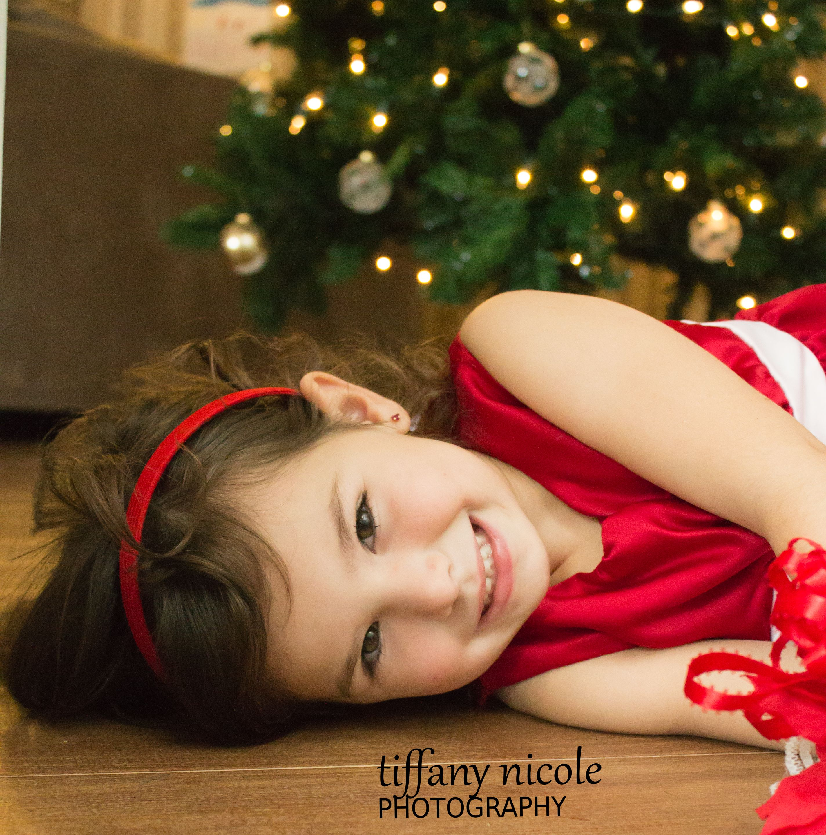 Holiday portraits pose - gift under the tree :)