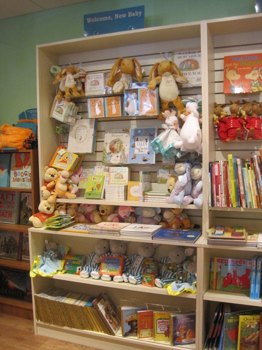 Image Result For Slatwall Retail Display Ideas Slat Wall Gift Shop Displays Gift Shop