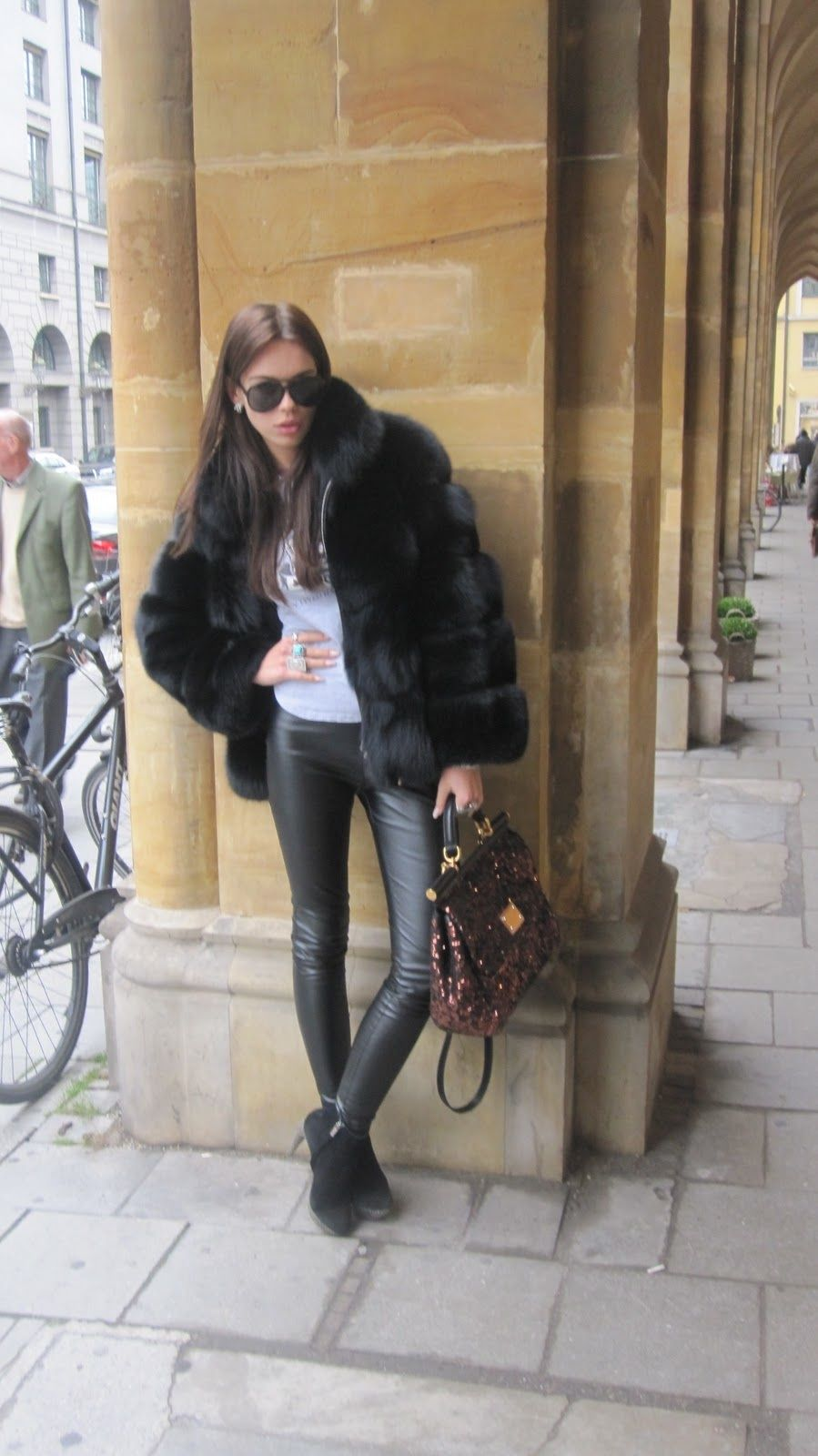 b00614563d0e Black fox fur jacket