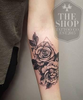 Image Result For Triangle Tattoo Gardenia Tattoo Hals Rose Tattoo Ideen Polynesisches Tattoo